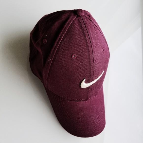 3e172029ec0 Men s Nike Low Profile Cap. M 5b2cdc61df0307eefba6f03c. Other Accessories  ...